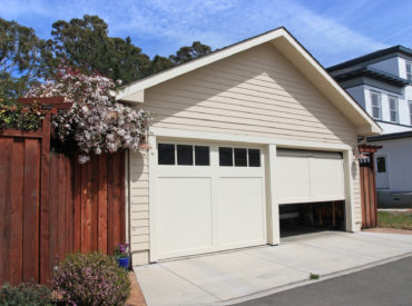 Tips on How to Balance a Garage Door for Homeowners